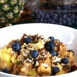 Linseed grain-free muesli with fruit, nuts, seeds and berries